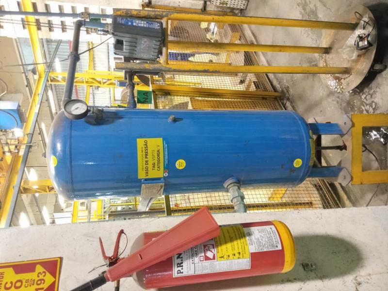 Instalação de vaso de pressão